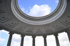 haifa-columns